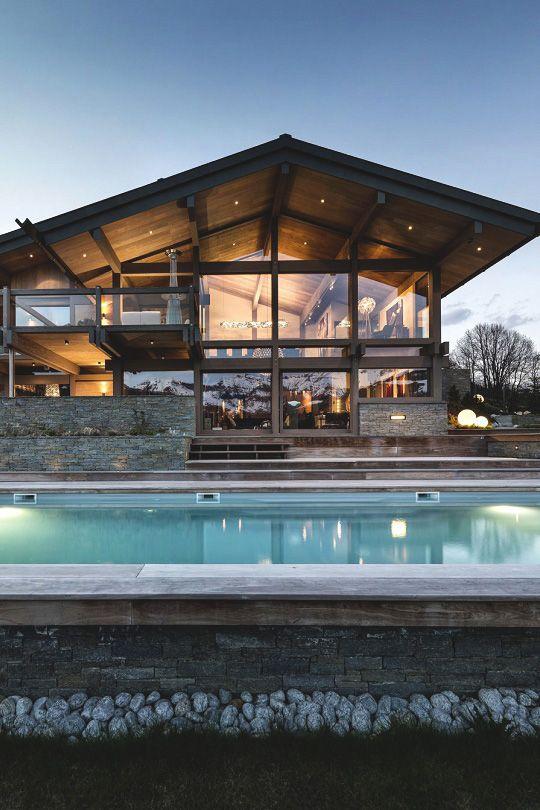 Magnifique maison en bois avec piscine l 39 ext rieur for Chalet a la montagne avec piscine