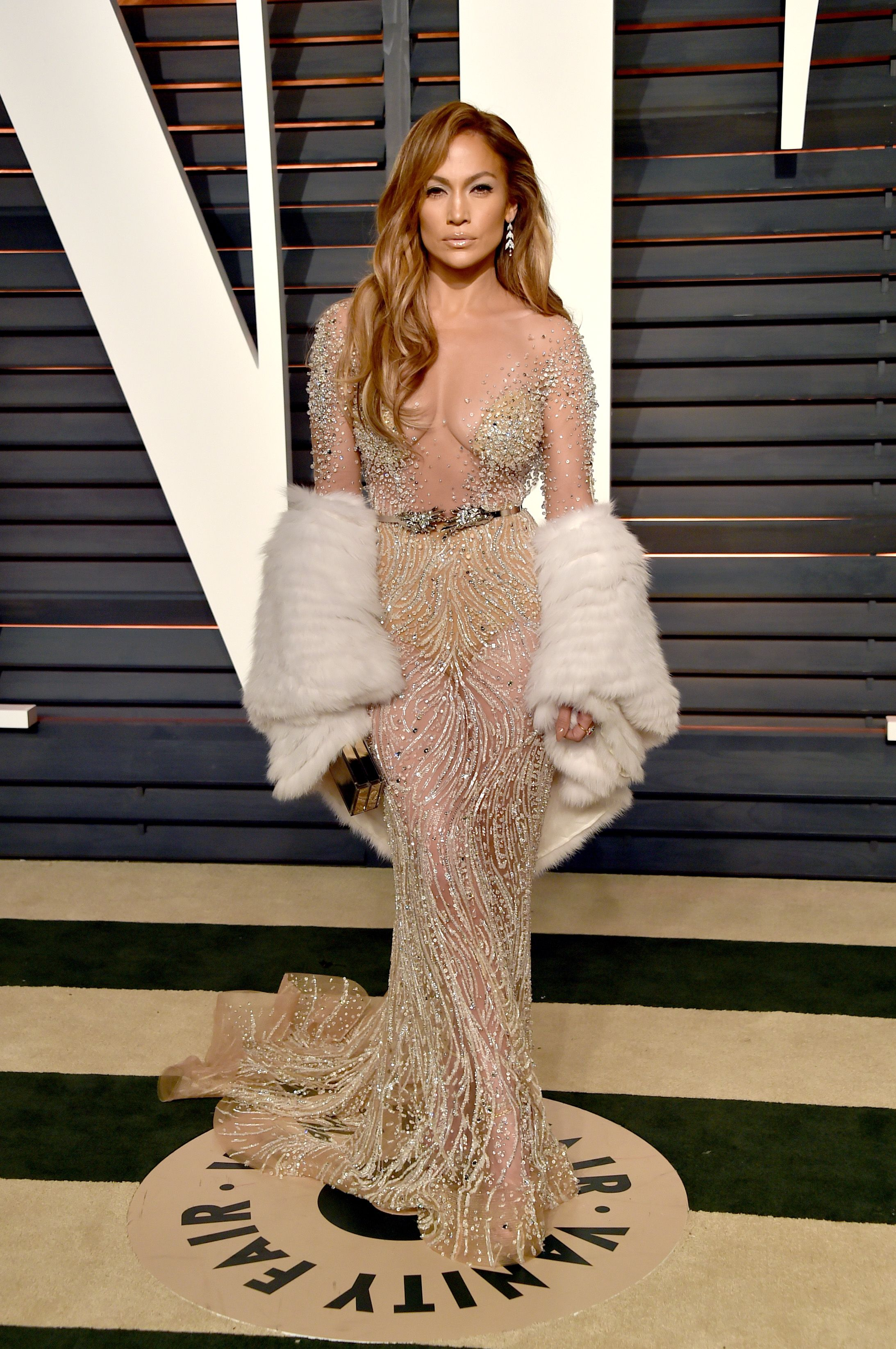 Watch The Sultriest Naked Dresses From the Victoria's Secret Pink Carpet video