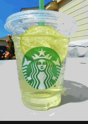 The 10 Healthiest Drinks You Can Order at Starbucks