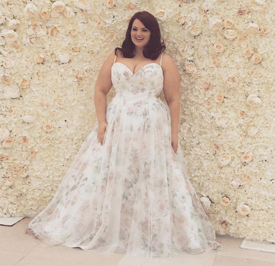 Callista Bridal Plus Size Wedding Dress Trunk Show Strut Bridal Salon Wedding Gown Ballgown Plus Size Wedding Gowns Floral Bridesmaid Dresses [ 898 x 930 Pixel ]