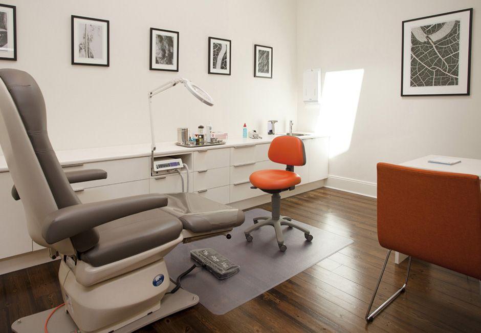 podiatrist  treatment room custom joinery custom artwork