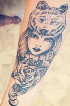 Girl With Wolf Head Tattoo Meaning Sok Pa Google Tattoo Ideas