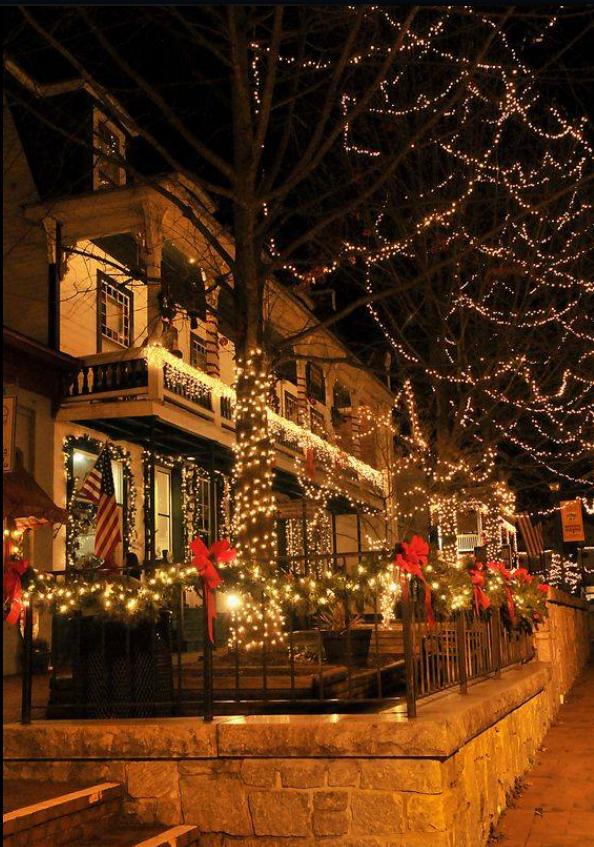 Christmas In Savannah Georgia 2019.Dahlonega Ga Christmas Towns In 2019 Christmas
