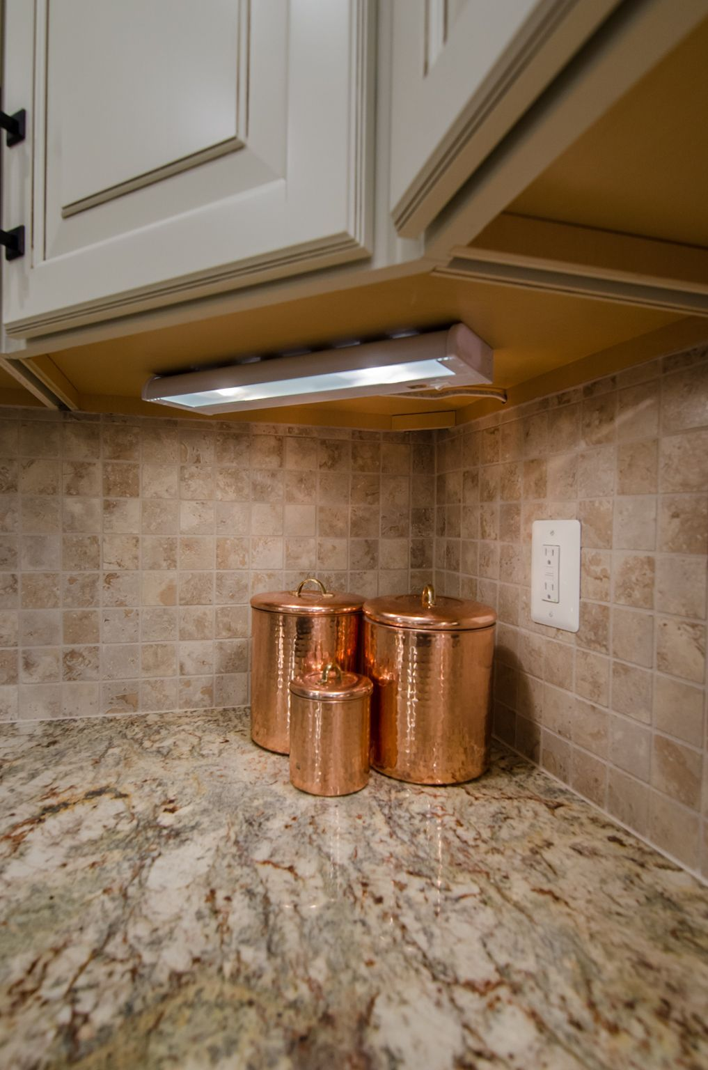 typhoon bordeaux granite   Favoritos in 2019   Kitchen ... on Typhoon Bordeaux Granite Backsplash Ideas  id=79899