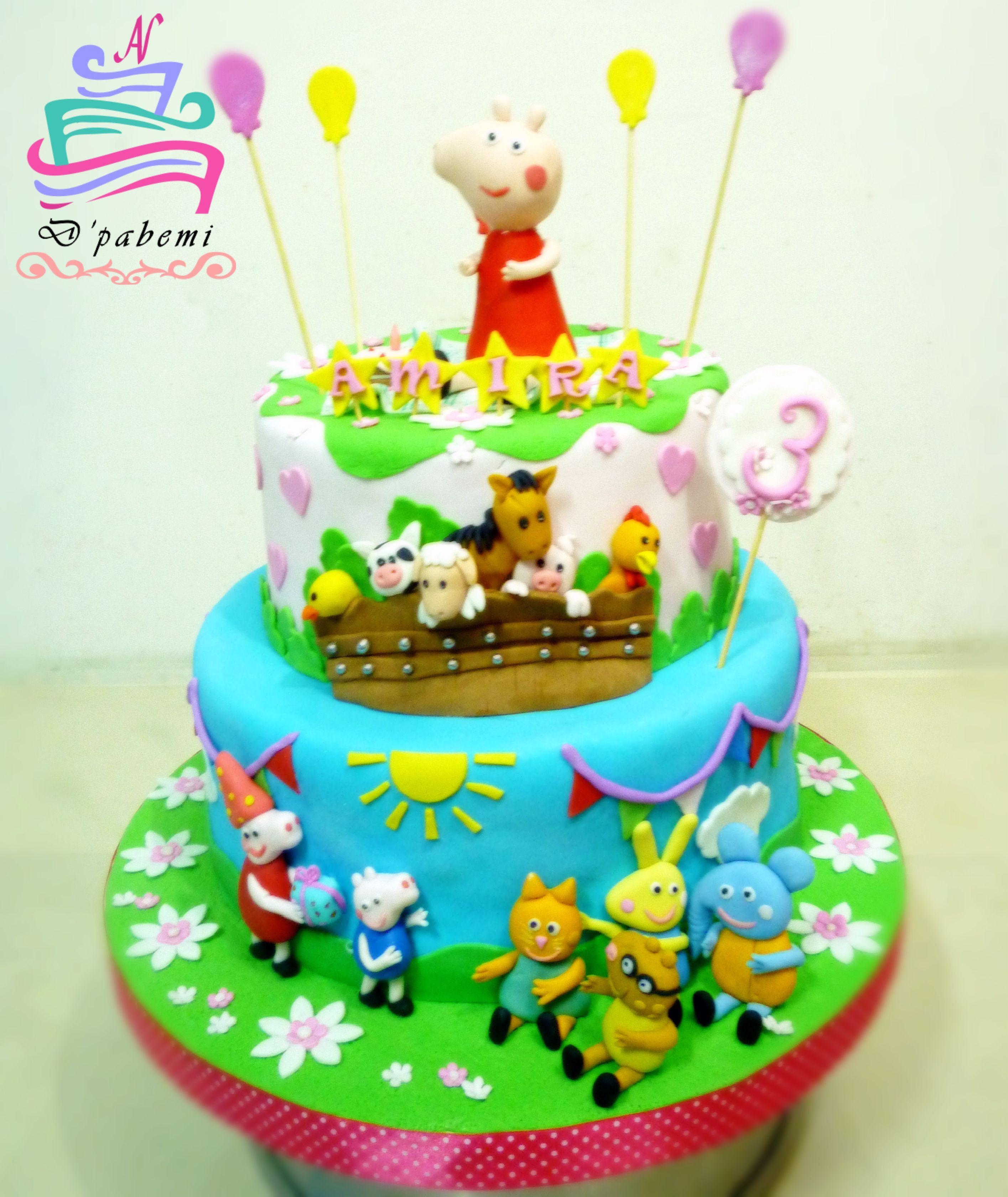 Torta Peppa Pig y sus amigos , modelado en azúcar 100% Comestibles.