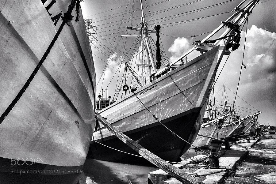 Wooden schooner ships ready for loading -