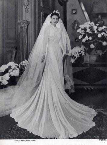 Pinterest The World 39 S Catalog Of Ideas Antique Wedding Dresses 1940s Wedding Dress Wedding Dresses Vintage