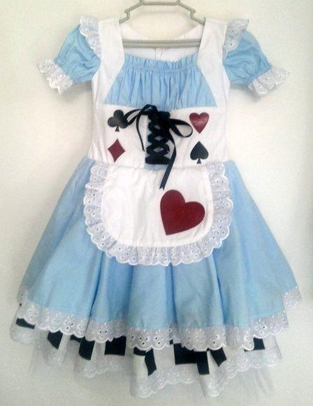 bcaccec74 Fantasia Alice no País das Maravilhas