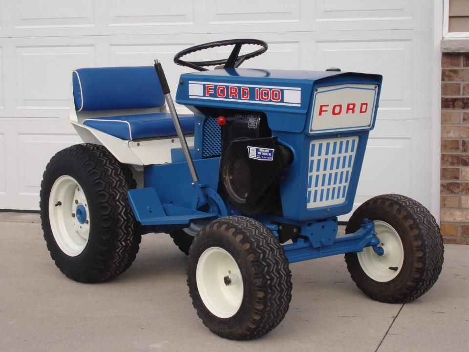 Forde 100 lawn garden tractor ford blue ford tractors for Garden machinery for sale