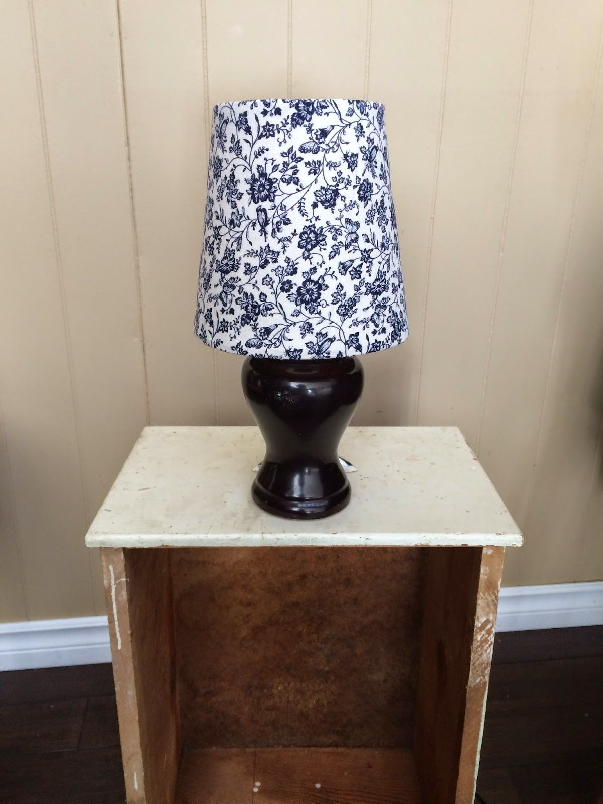 upcycled lamp...check out how easy!!! | Recycled Ideas ...