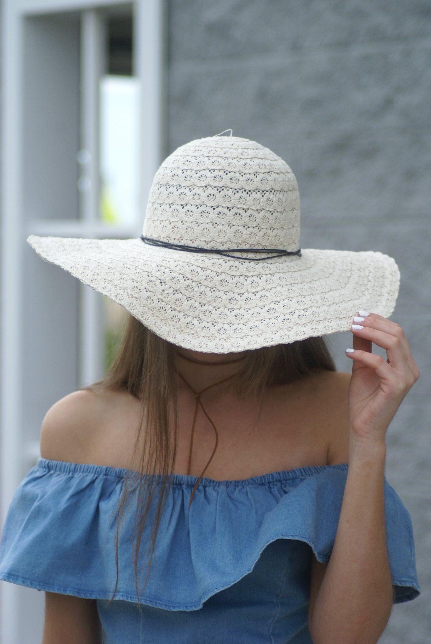 fd5ae5b5 Crochet Floppy Beach Hat in 2019 | Fashion | Hats, Cute hats, Sun hats