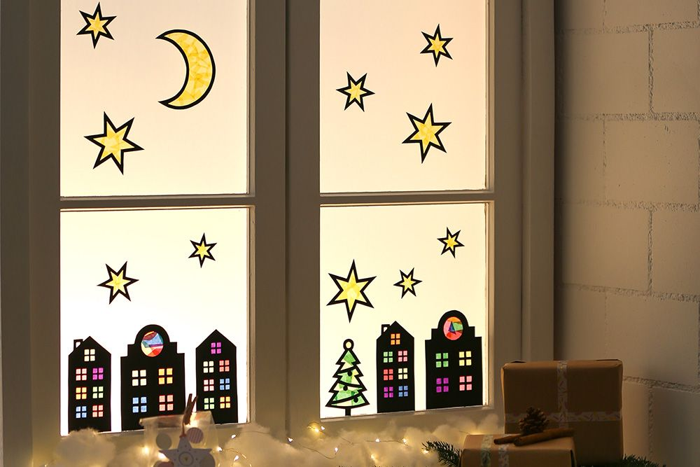 Festliche Fensterbilder aus Karton und Seidenpapier #fensterdekoweihnachtenbasteln