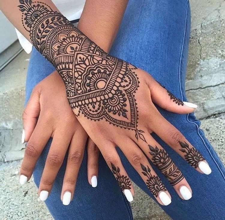 Mehendi mandala art mehendimandalaart mehendimandala for Henna tattoo fingers