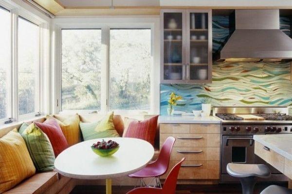 Dekoideen Küche Rückwand-Paneel bunt-moderne Farbgebung-Sitzecke ...