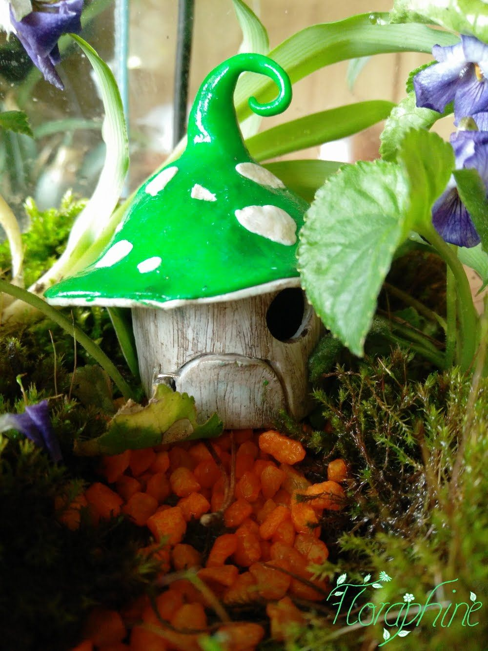 Hey There Today I Want To Show You How To Make A Simple Fairy House From Polymer Clay Materials Polyme Clay Fairy House Fairy Jars Stuffed Mushrooms