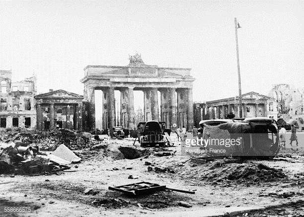 Porte De Brandebourg A Berlin Allemagne En 1945 Brandenburger Tor