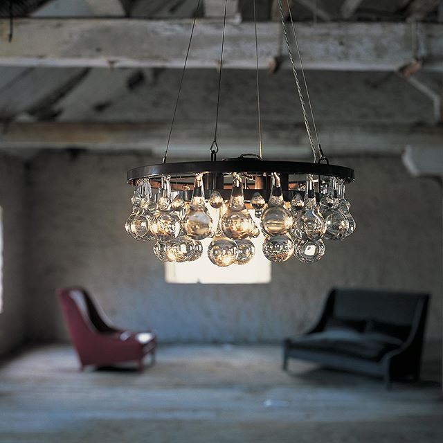 Happy Monday With Our Arctic Pear Chandelier And Our Snooze Sofa Ochreochre Ochrelighting Ochre Arcticpear Luxury Beautifu Ochre Lighting Chandelier Decor