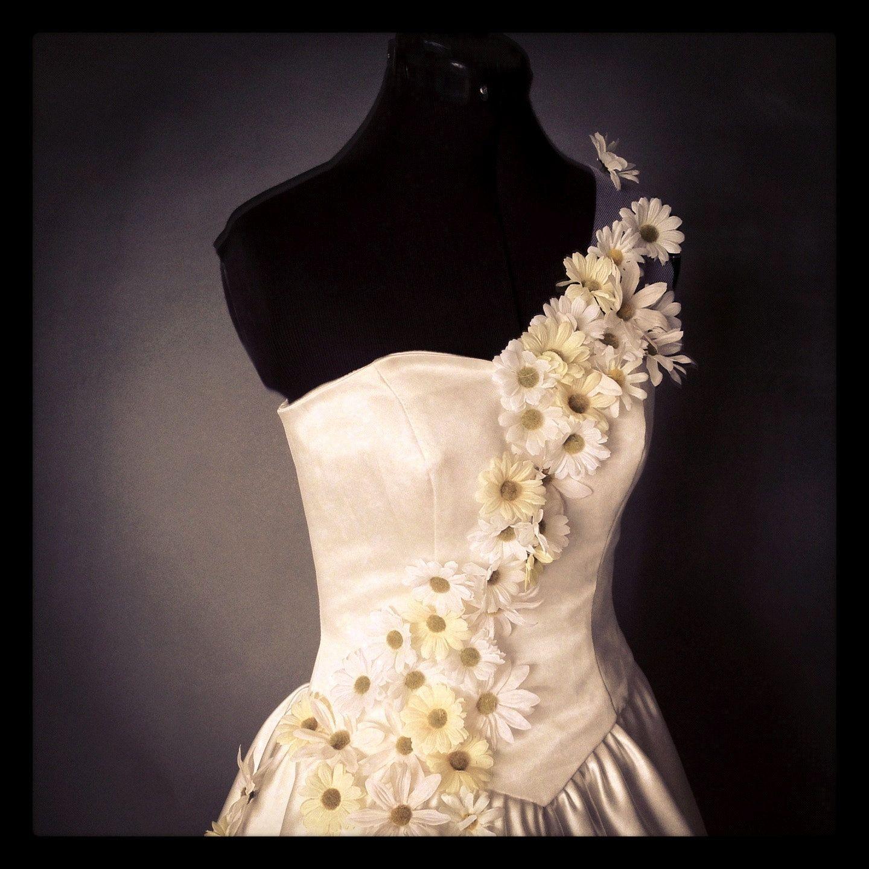 Spring Daisy Bouquet Wedding Dress 57500 Via Etsy