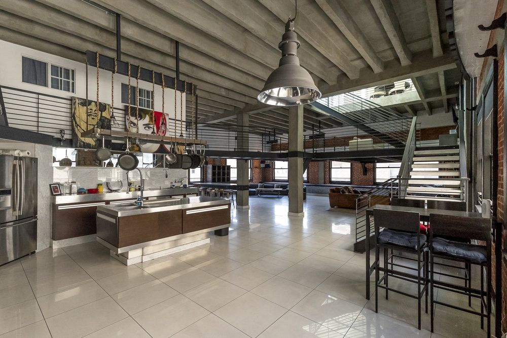Creative fully equipped kitchen spaces available on rent ...