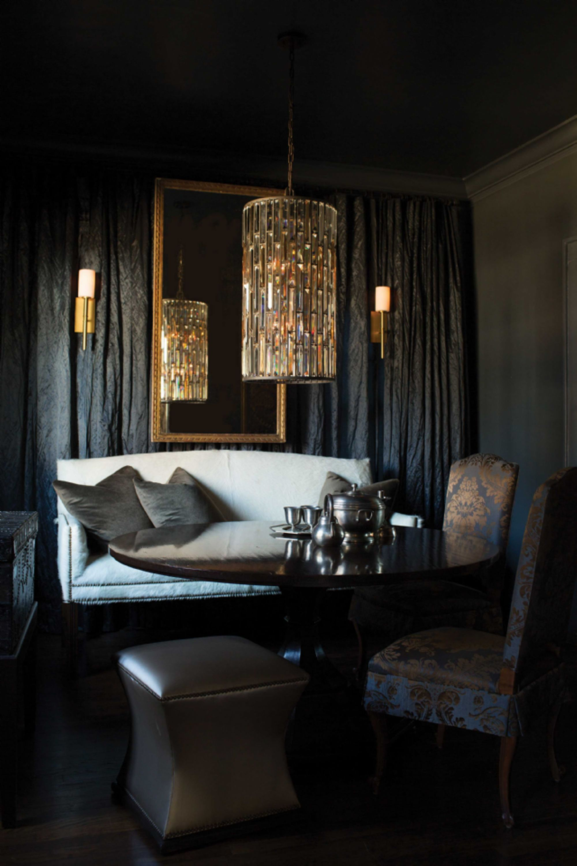 Gemma collection chandelier in vintage bronze by fredrick ramond gemma collection chandelier in vintage bronze by fredrick ramond hinkley lightings luxury line margeaux aloadofball Image collections