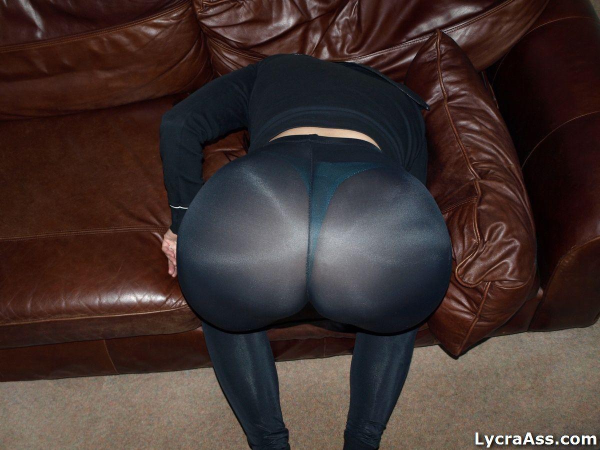 Big ass milf in see through leggings