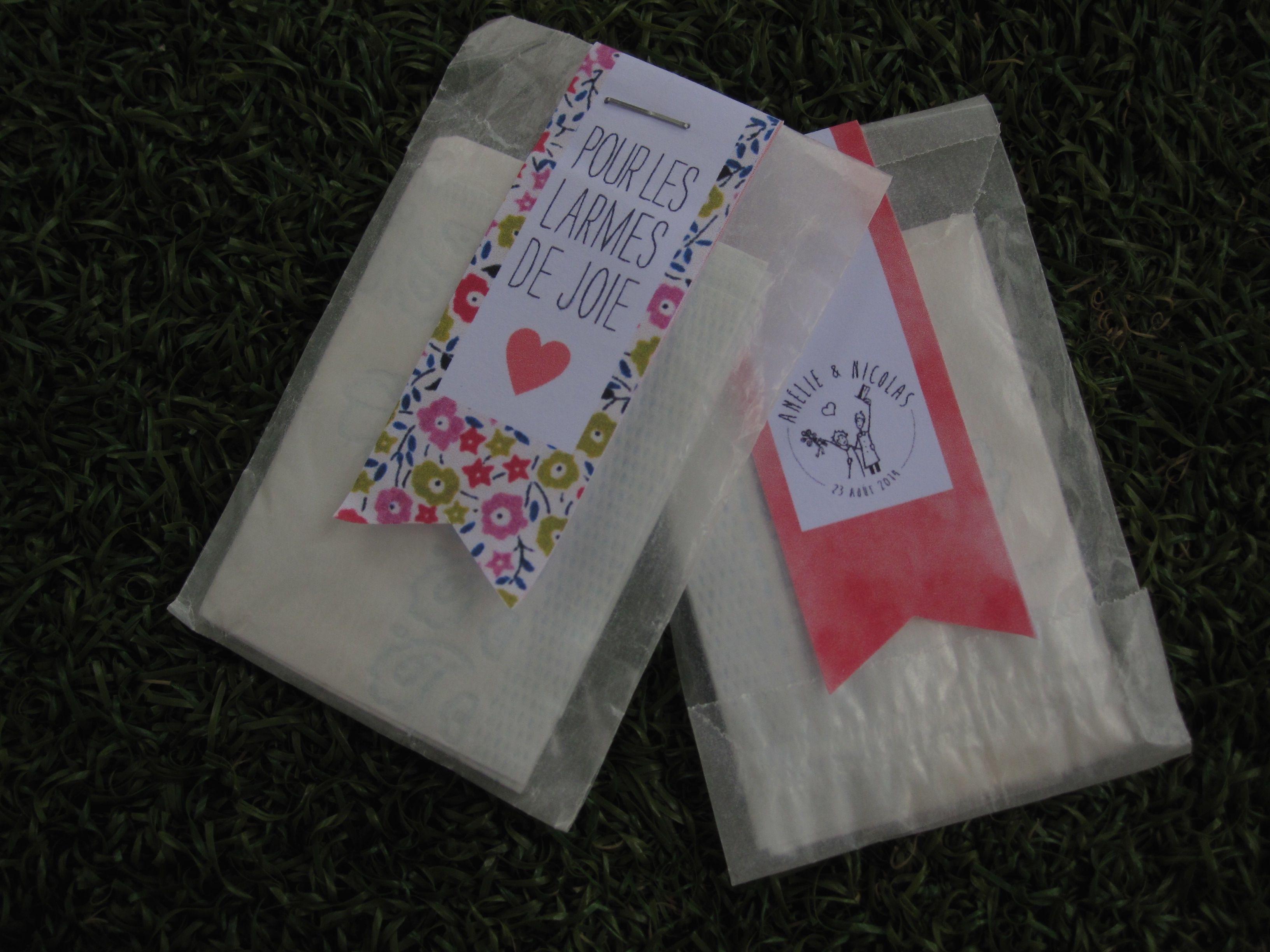 Pochette mouchoirs à glisser dans les carnets de cérémonie pour les invités émotifs!