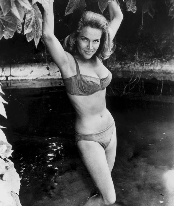 Bond Girl Honor Blackman Turns 90 In 2020 Bond Girls Best Bond