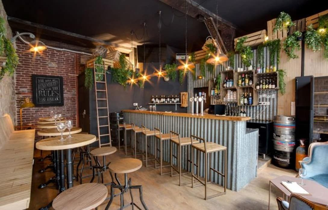 Rustic Decor Restaurant Sophomore Bares Y Clubs De Estilo De Decoracion Vintage S L Rusticdecor Cafe Bar Interior Bar Design Restaurant Rustic Restaurant