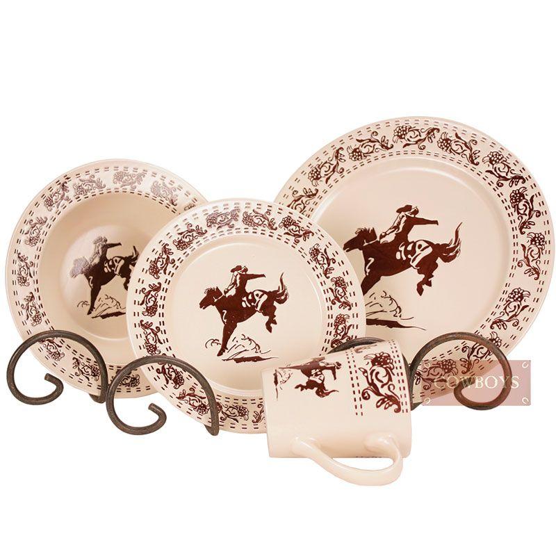 Conjunto para jantar country feito em cerâmica importado. Feito em cerâmica de alta qualidade, possui lindos desenhos nas extremidades e no centro, o conjunto se diferencia para pessoas que gostam do estilo country, cavalos e rodeio.