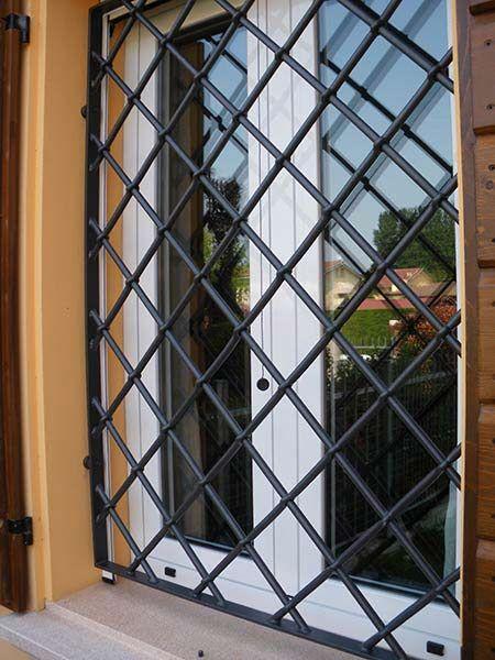 Inferriate di sicurezza mantova per finestre infissi - Grate in ferro battuto per finestre ...