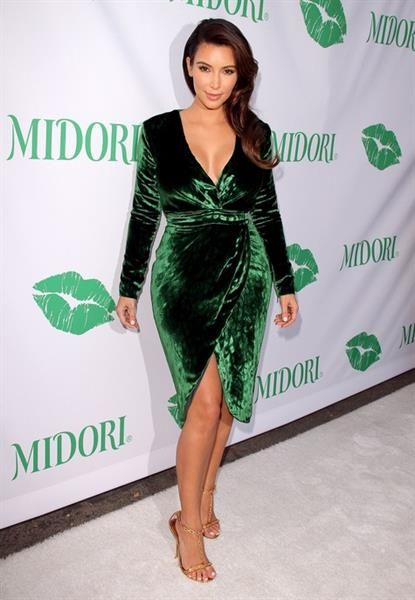 3d619ef548056e8 Зеленое бархатное платье купить | Женские слабости | Бархатные ...