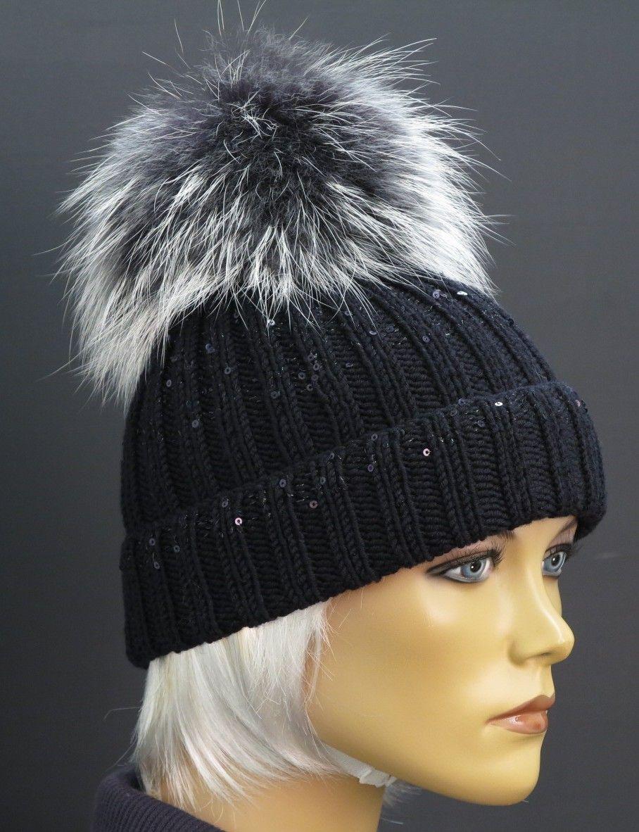 Luxusní černá dámská zimní čepice - ručně pletená z merino vlny doplněná  naší luxusní xxl velkou cc8838bd807