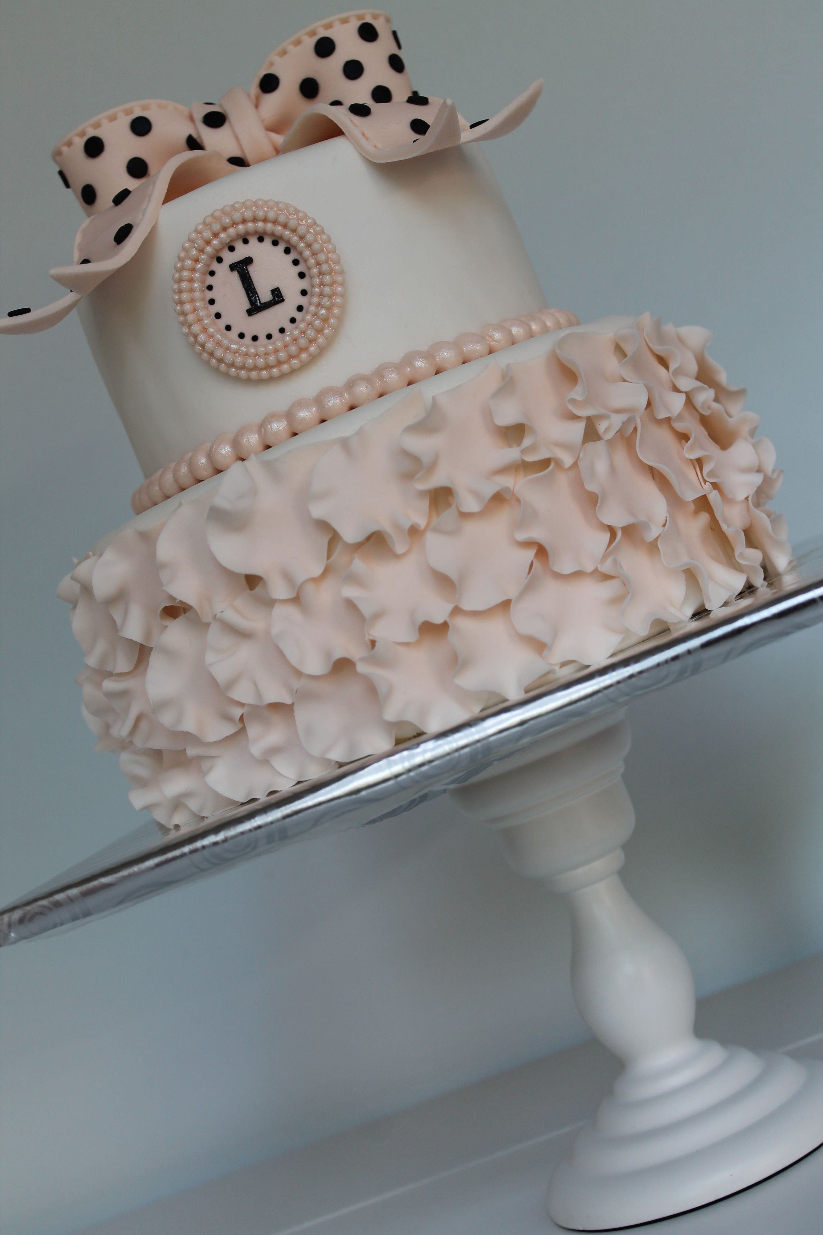 Elegant birthday cake love this but in different color Lexis