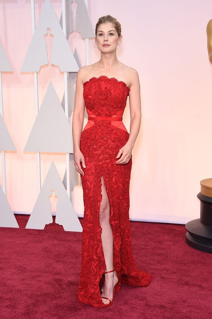 Rosamund Pike In Givenchy Couture – 2015 Oscars | Givenchy ...
