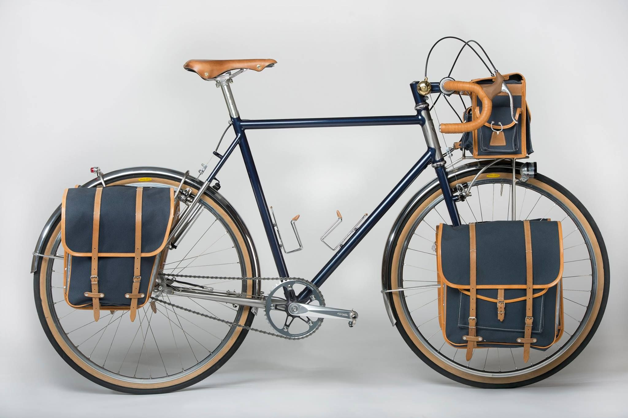 Our vision of the hiker: Victory René, Framework Mixed Steel ...