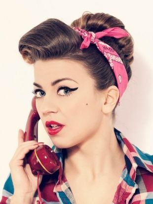 50s Pin Up Hair Victory Rolls For Shorter Hair 50s Hairstyles