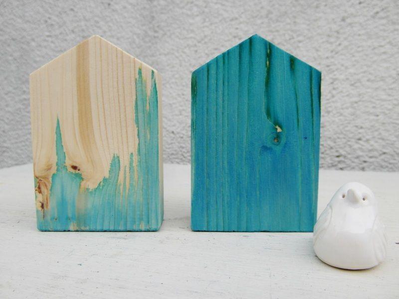 holzh uschen holzhaus haus holz t rkis blau von. Black Bedroom Furniture Sets. Home Design Ideas