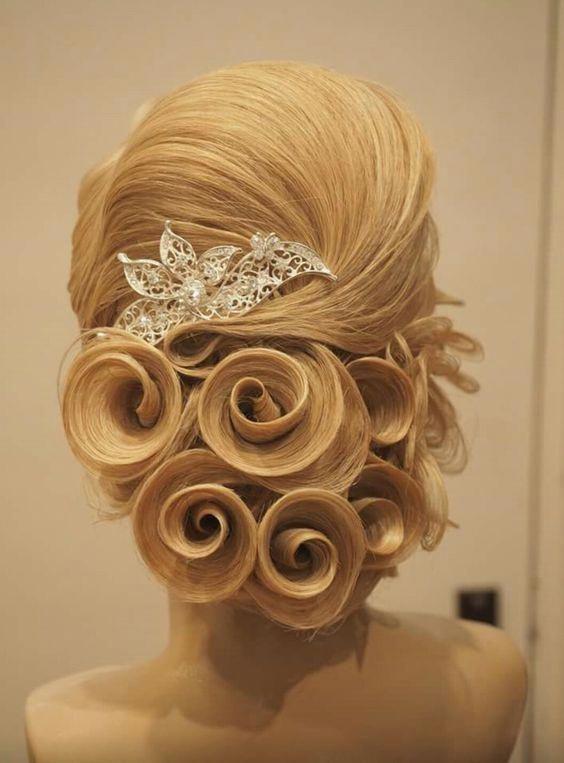 Bridal Fashion: Stunning Wedding Hairstyles - 2019 - hairstyleto