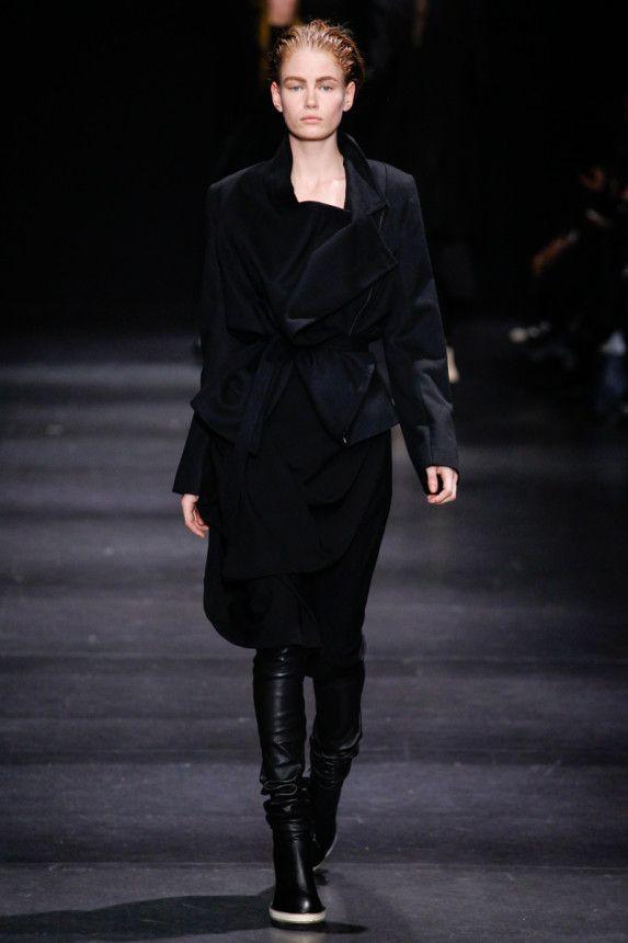 Ann Demeulemeester Fall 2014 – Vogue