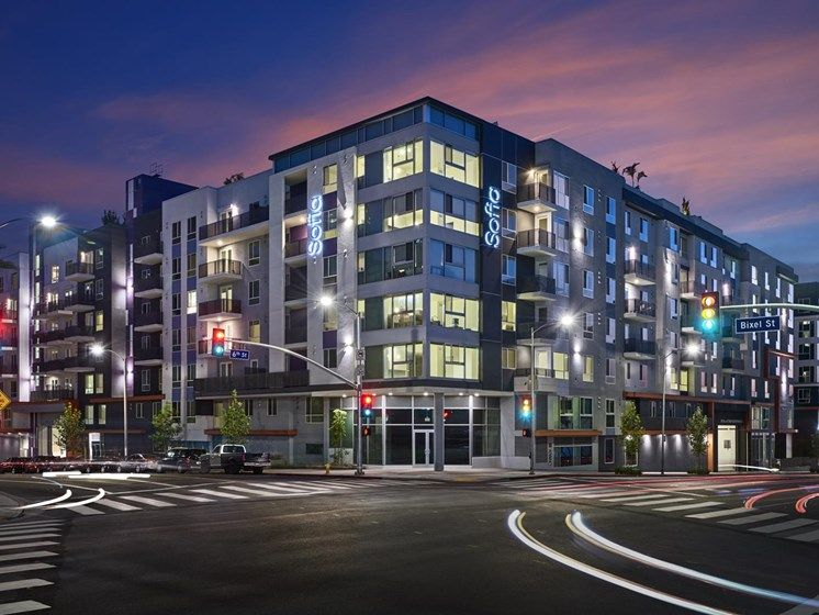 Sofia Los Angeles Ca In 2020 Pet Friendly Apartments Downtown Los Angeles Street View
