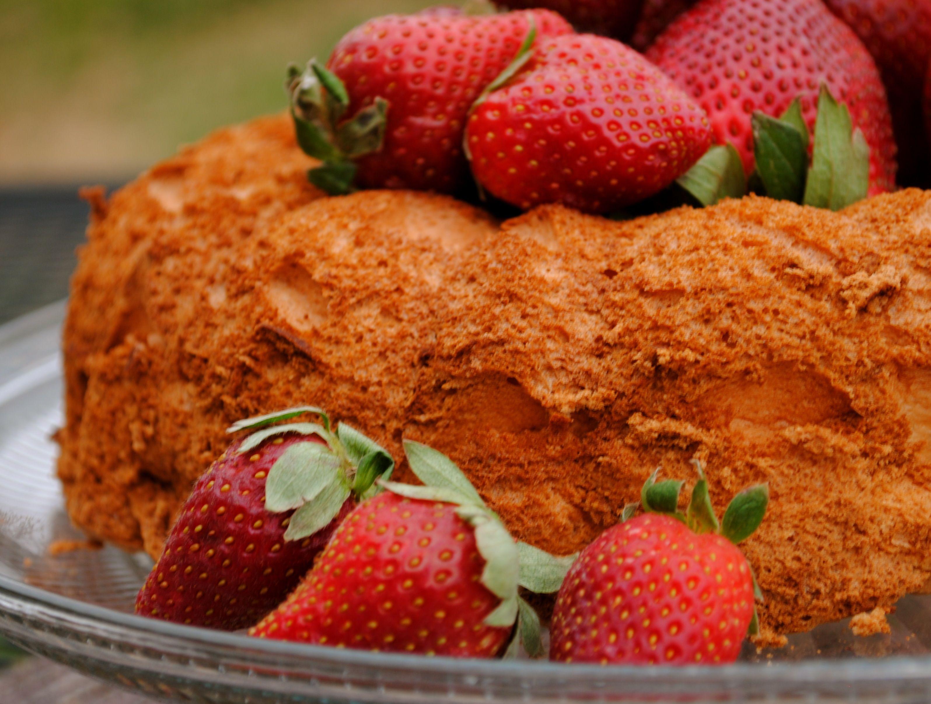 angel food cake nutrition info