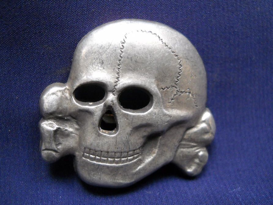 Snyder's Treasures -- SS Hat and Cap Insignia | SKULLS | Military