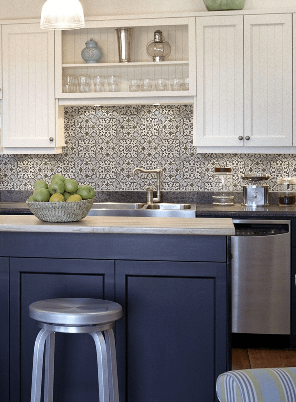 32 Popular Mosaic Tile Backsplash Kitchen Ideas Mosaic Tile Kitchen Mosaic Tile Backsplash Kitchen Kitchen Tiles Backsplash