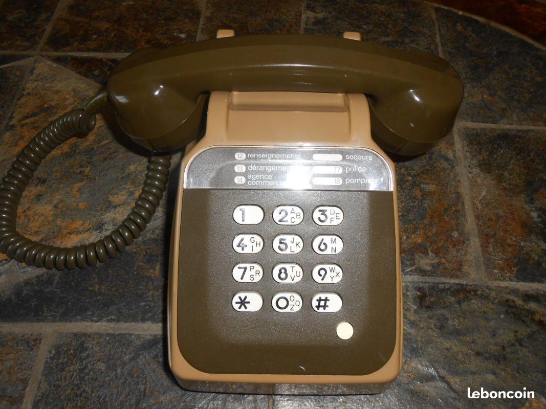 f5687677b0075 Ancien téléphone fixe années 80