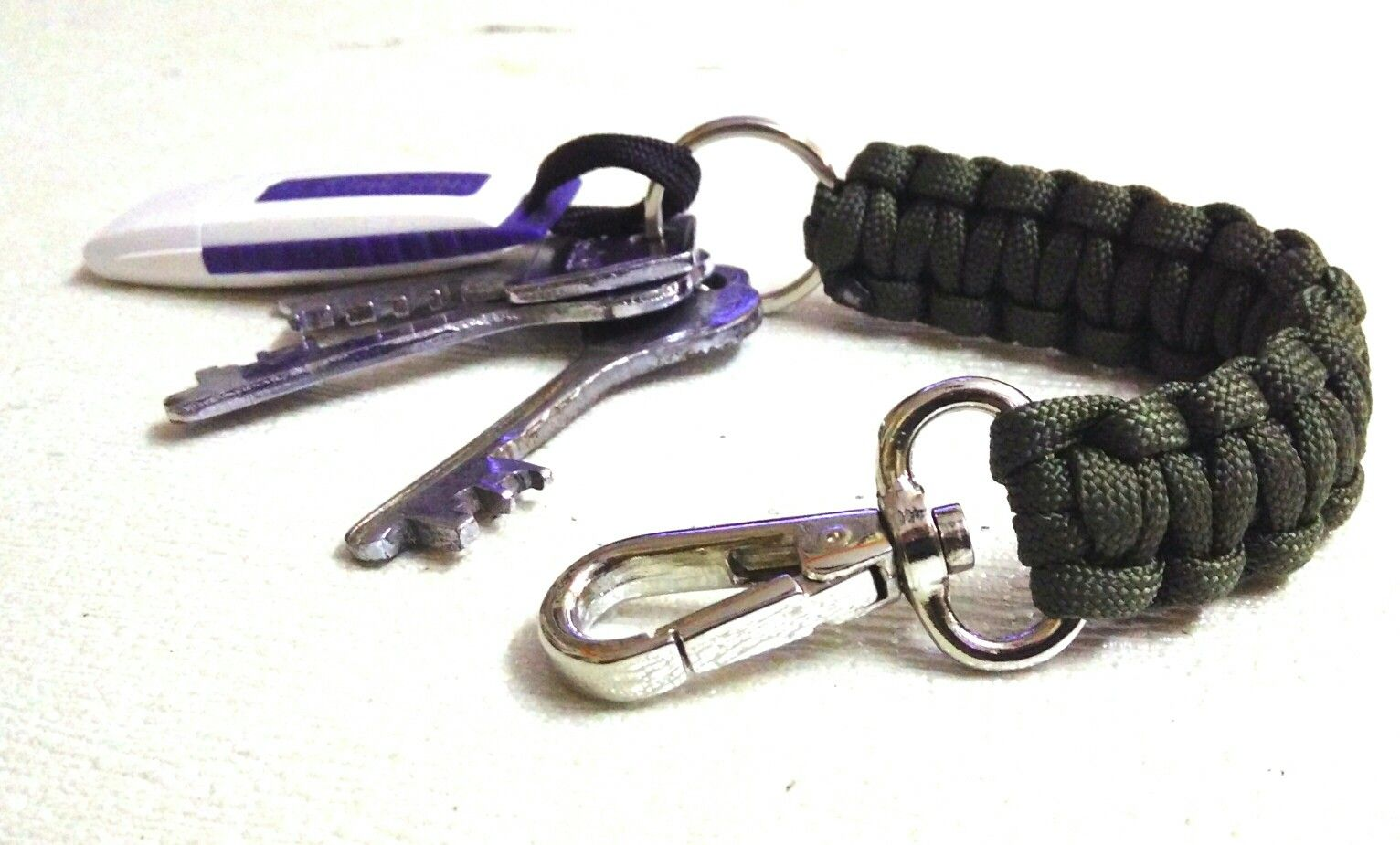 I am Satya from Bangalore, expert to making Paracord products as Keychains, Bracelets, Belts, Monkey Fist, Camera Strap, Watch Strap, etc. Interested people please contact me 7760421448.