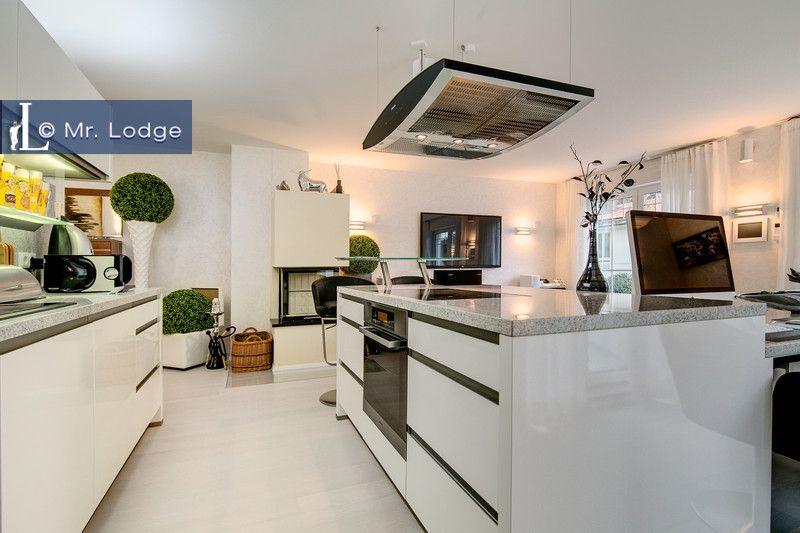 Die offene Wohnküche ist mir einer großzügigen Kochinsel - offene wohnkchen