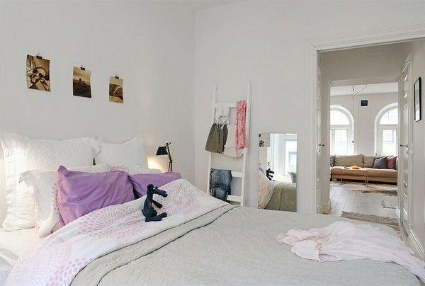 Schlafzimmer-gestalten-im-skandinavischen-Stil-Holztreppe-als - deko schlafzimmer wand