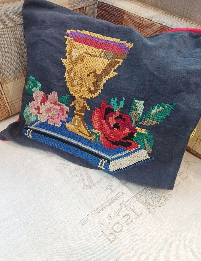 Vintage cross stitch black pillowcase - Decorative pillow case handmade embroidery - Russian national embroidery - Retro living room decor