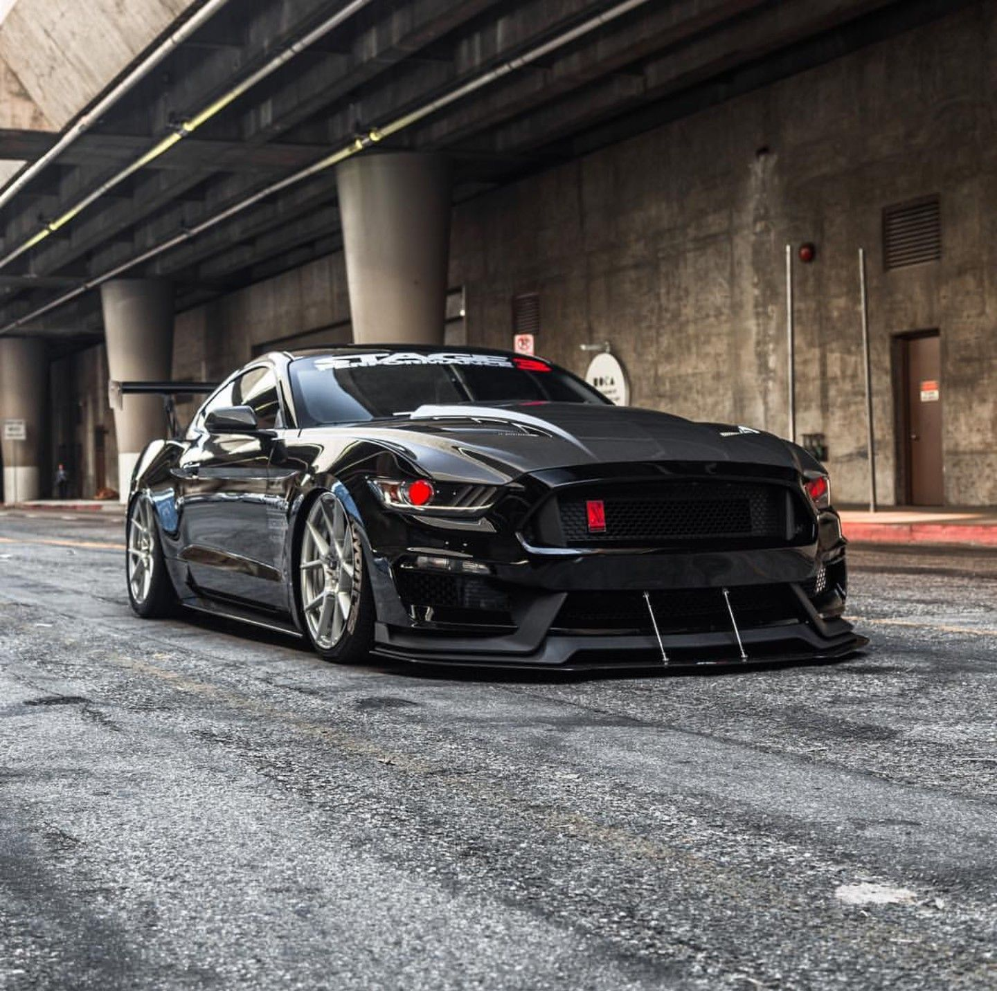 2016 Ford Mustang Gt Custom Check Out Facebook And Instagram Metalroadstudio Very Cool Ford Mustang Gt Ford Mustang Mustang Gt