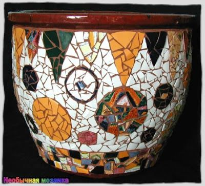 UNUSUAL Mosaic: Mosaic of broken crockery